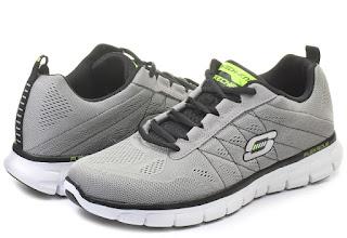 A Skechers cipők kiválóak sportoláshoz és a hétköznapi viseletre is.