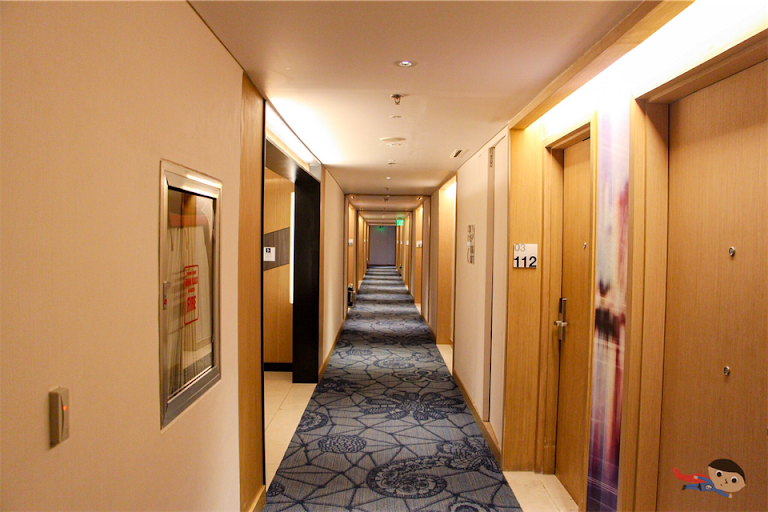 Doorway/Hallway of Holiday Inn Express in Resorts World Manila