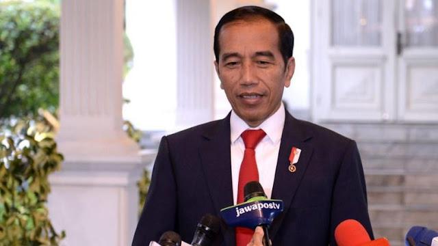 Tak Peduli Hujan Kritik, Jokowi Tetap Bersikukuh Revisi UU KPK