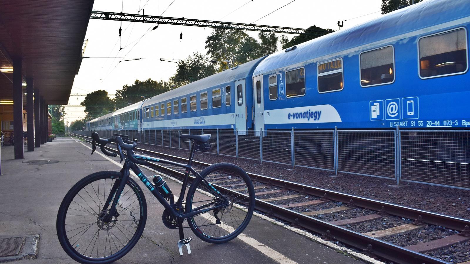 Együttműködik a MÁV-Start és a Magyar Kerékpárosklub