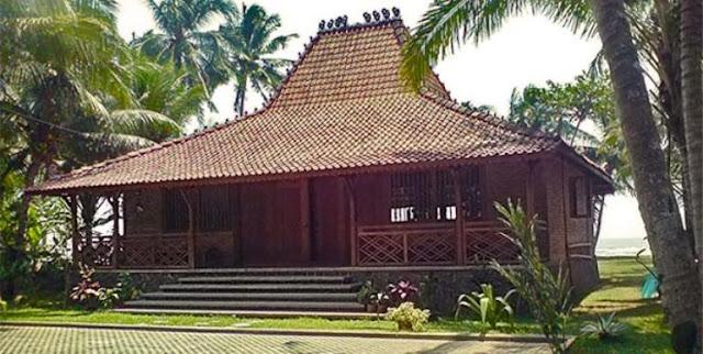 Rumah Adat Provinsi Jawa Timur ( Rumah JOGLO Situbondo )