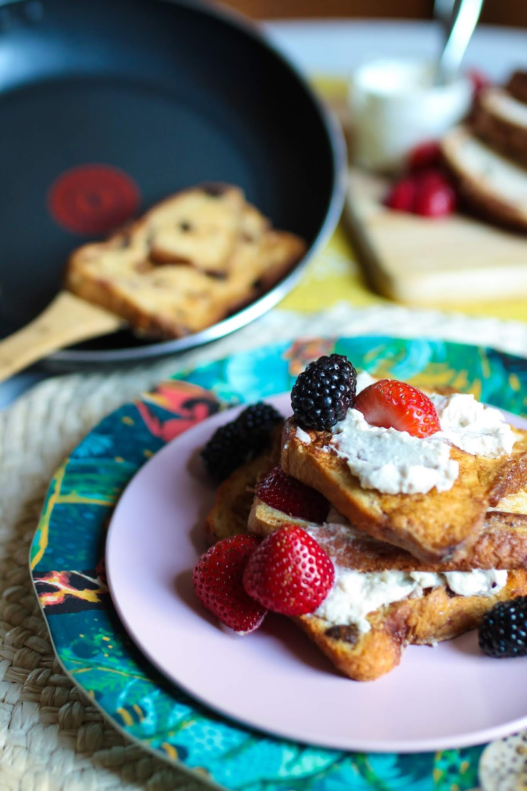 French toast, easy French toast, French toast recipe, brunch recipe, monkey bread recipes, monkey bread French toast, maple cream cheese, monkey bread brunch, easy brunch recipes