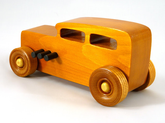 Left Rear - Wooden Toy Car - Hot Rod Freaky Ford - 32 Sedan - Pine - Amber Shellac - Metallic Gold - Black