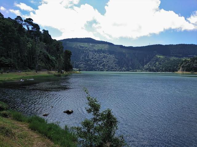 Lagoa Verde en Sete Cidades (Azores)