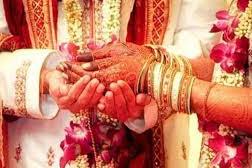 LOVE STORY: लॉकडाउन में एक युवक को भिख मांगने वाली लड़की से प्यार, फिर दोनों ने शादी कर ली