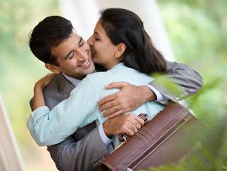 Pelukan Suami Bisa Membuat Istri Lebih Langsing dan Bahagia, Ini Alasannya