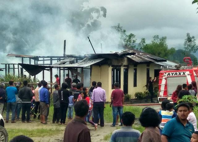 Rumah Robinson Simanjuntak Hangus Terbakar