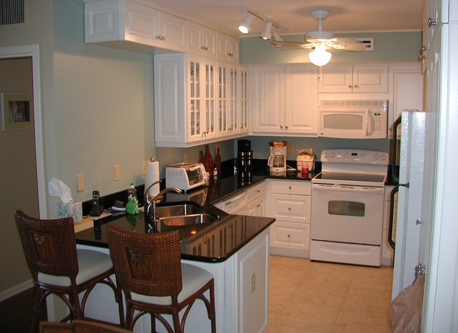 Small space condo unit interior design mopodir - Small bedroom interior design ...