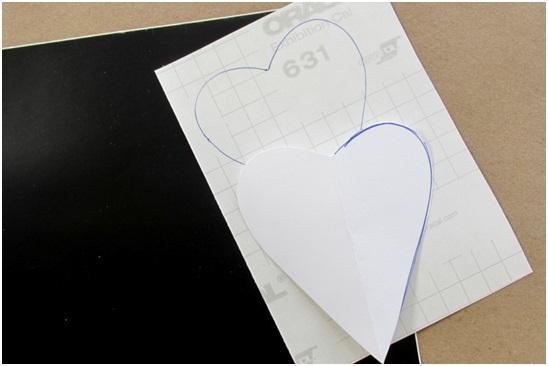 el yapımı kahve kupası kalp sembollü