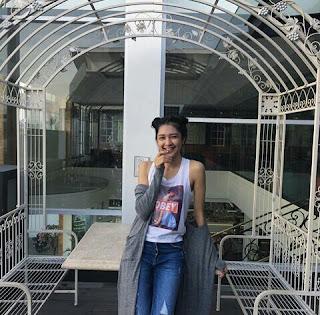Profil Biodata dan Foto Artis hot bugil Cantik Seksi Mikha Tambayong