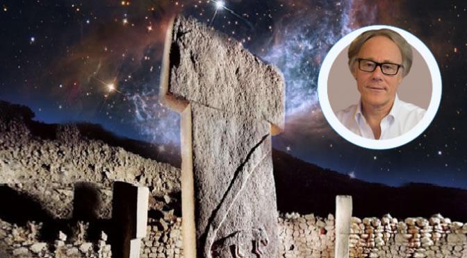 Graham Hancock habla sobre las diversas pistas dejadas por las antiguas civilizaciones y que podrían ayudarnos a descubrir un futuro posible.