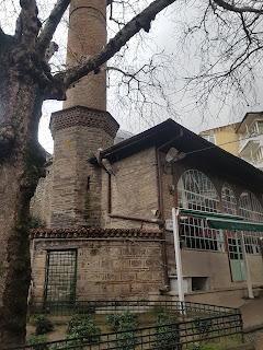 ŞEKER HOCA CAMİİ VE TÜRBESİ