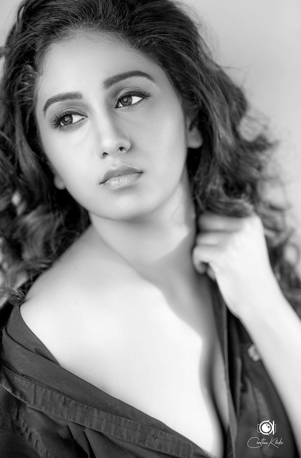 Actress  Dakkshi Guttikonda   Glam Photoshoot