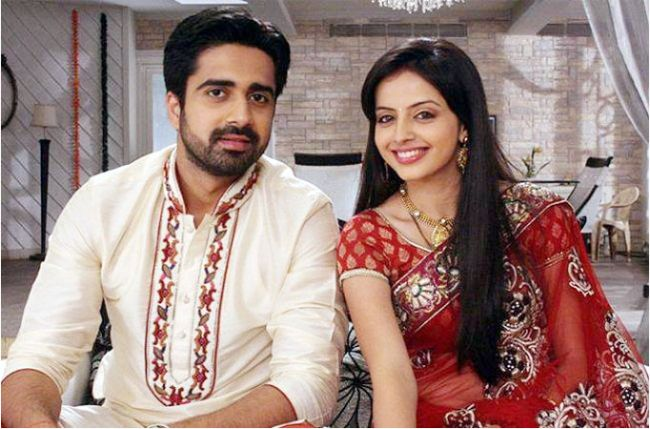 Avinash Sachdev as Ashok while Shrenu Parikh as Asha in Mounam Sammadham 2