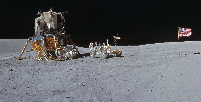 Аполло́н-16 Лунный модуль и ровер 2