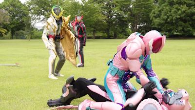Kamen Rider Saber Extra Chapter Clips - Kamen Rider Revice Debut