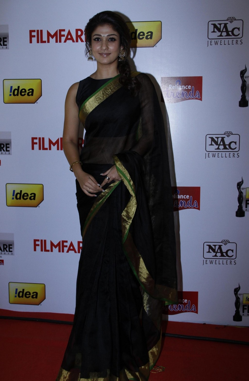 Nayantara Latest Hot Photos In Black Saree