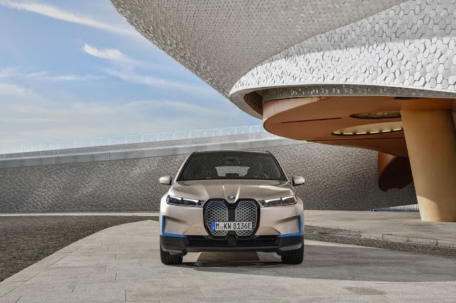 2022 BMW iX Electric Crossover Will Offer 500 HP
