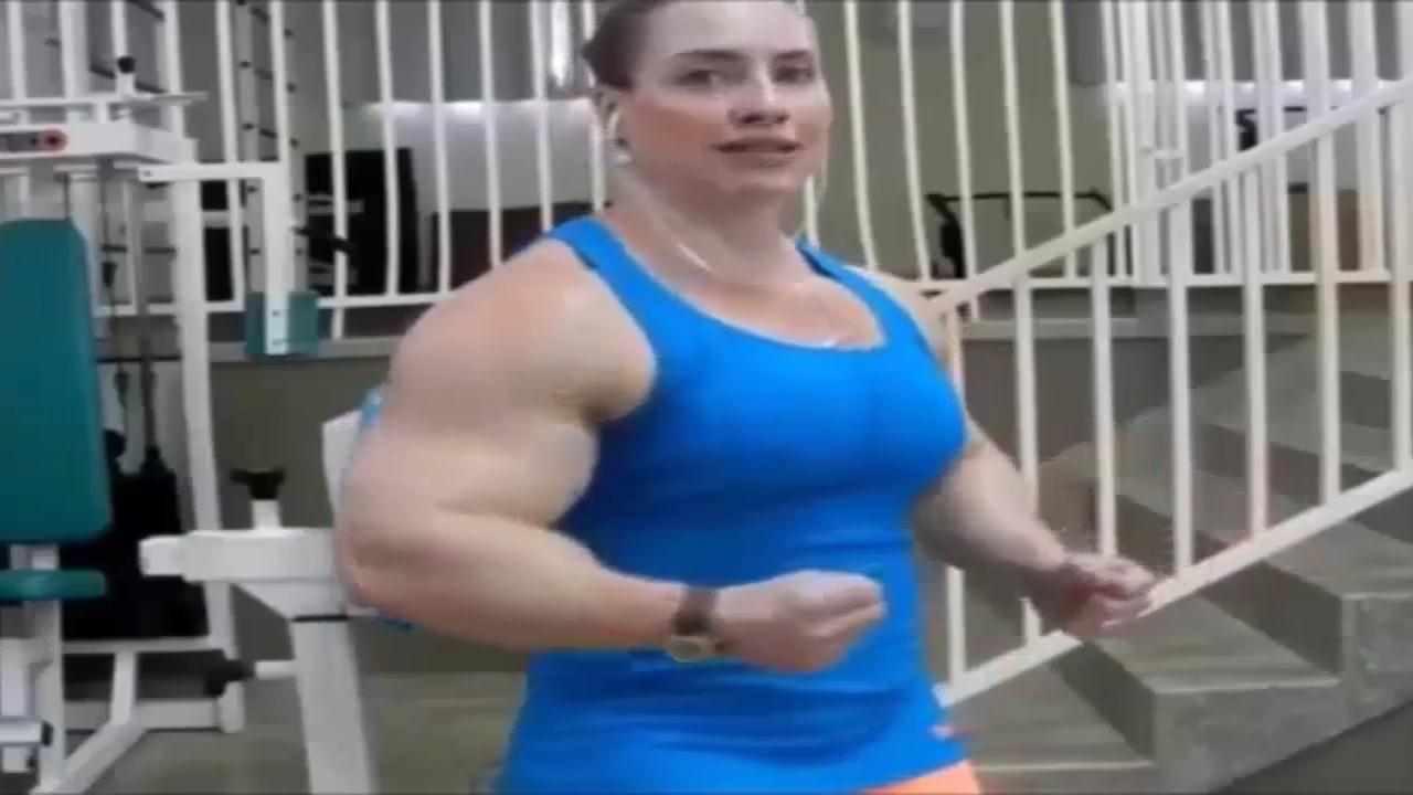 Video Huge girl bodybuilding Strong Women