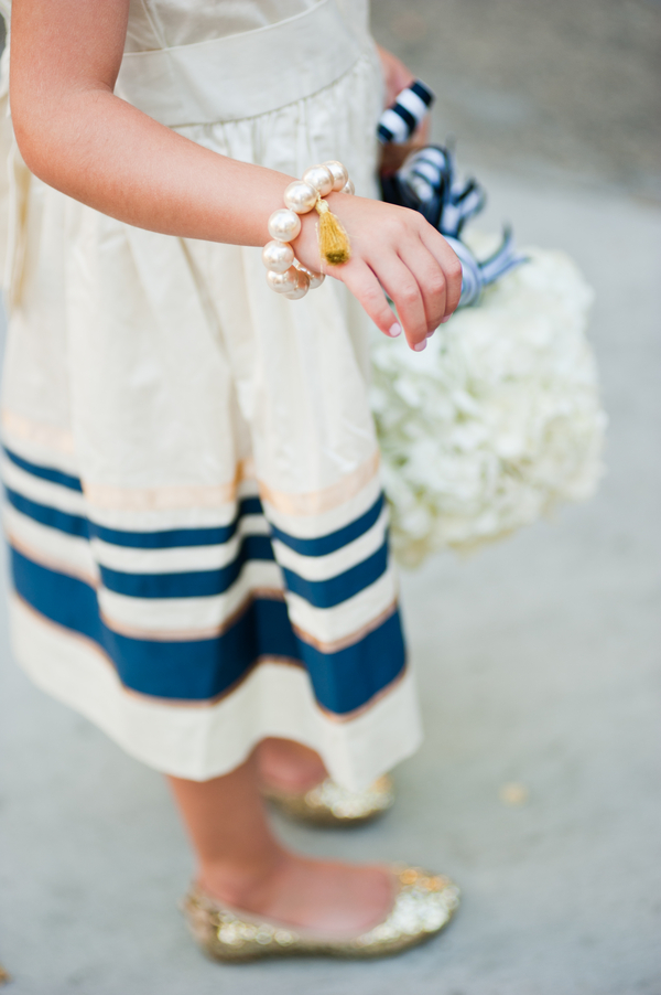 blue+white+navy+modern+simple+simplistic+classic+traditional+american+wedding+bride+groom+theme+silver+grey+gray+flower+girl+ring+bearer+nautical+sea+ocean+beach+bride+groom+bridesmaids+centerpieces+carmen+salazar+photography+8 - Navy & Gold