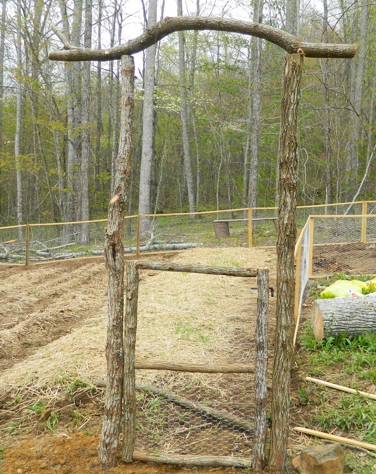 Lises Log Cabin Life Our Garden Fence Rustic Gate