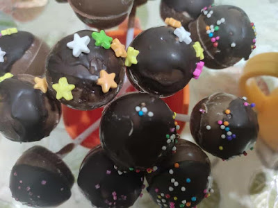 Chocolate lollipops by Designer Chocoland