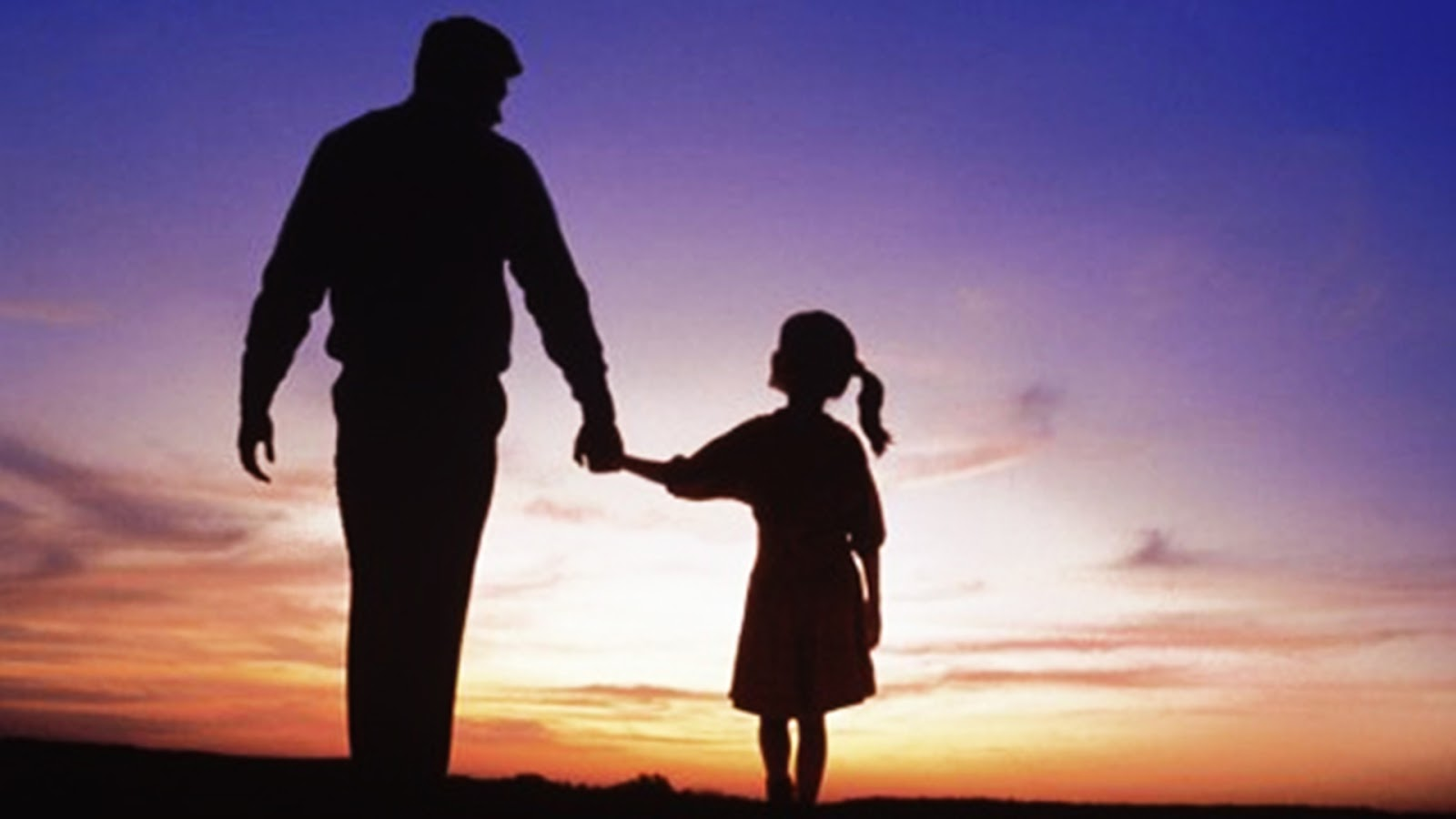 cha luôn yêu thương và dìu dắt con gái bé bỏng