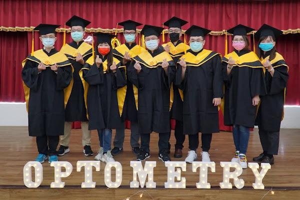 大葉實體畢業典禮 歡送9位視覺科學碩士畢業生