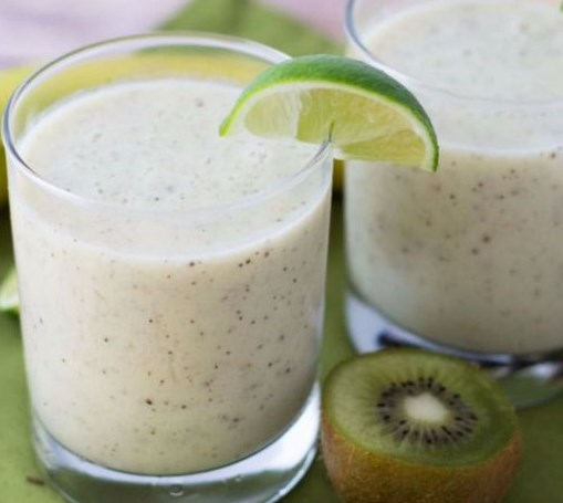 Kiwi Smoothie Recipe with Banana and Lime #drinks #healthy