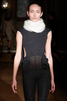 Amaya Arzuaga en la Semana de la Moda de París, brillante y genial.