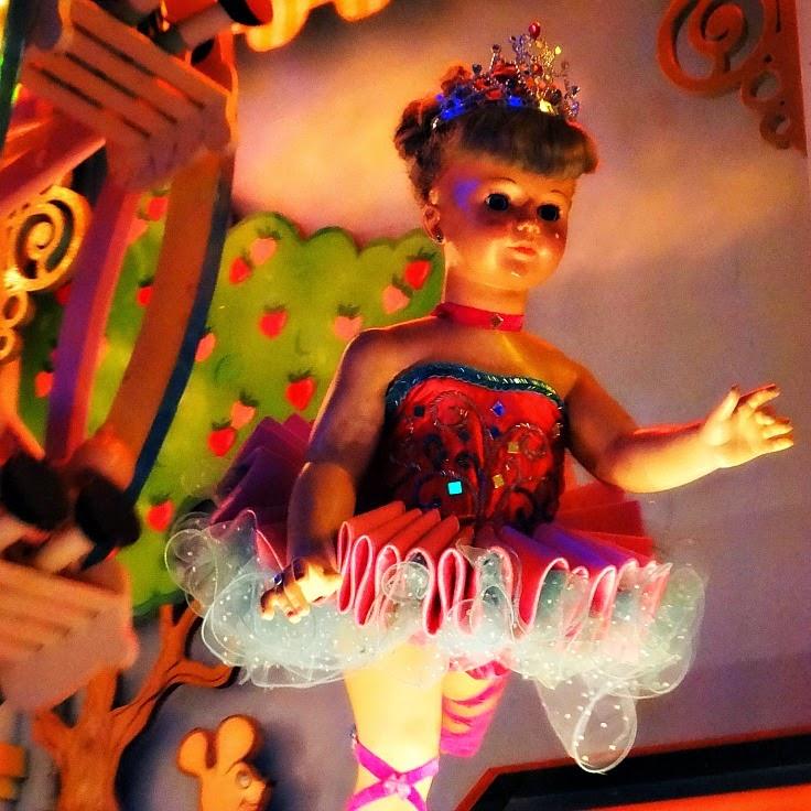 A bailarina no Raskapuska, no Beto Carrero World