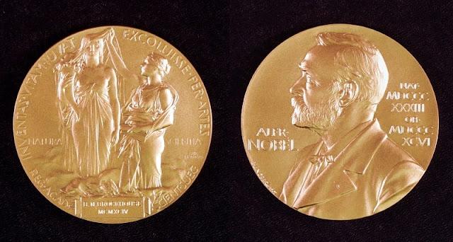 gambar medali penghargaan nobel yang terbuat dari emas