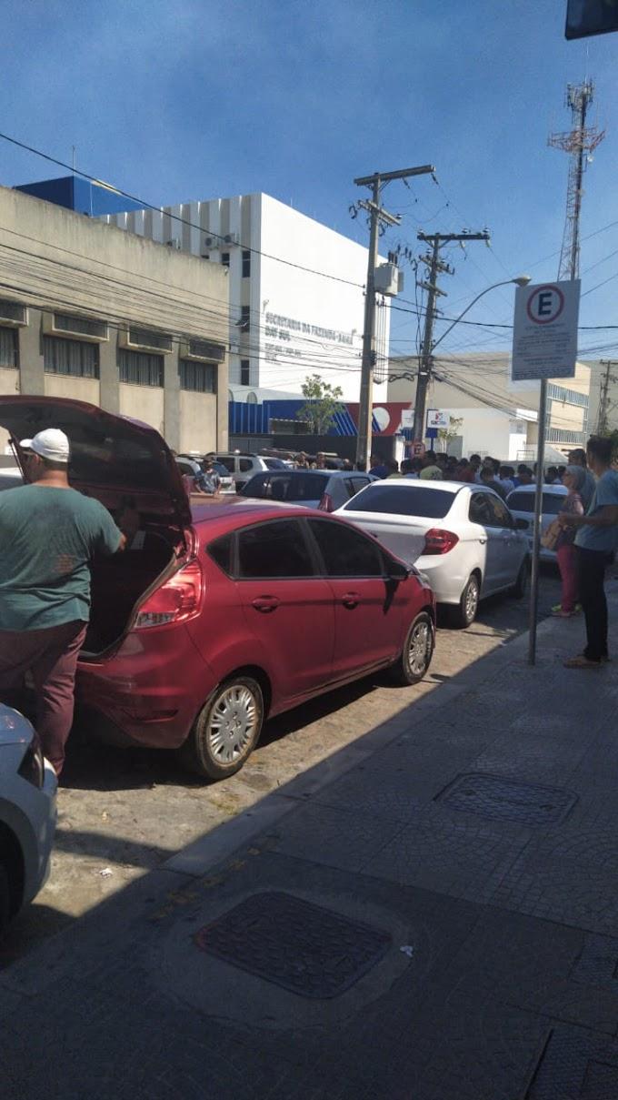 CASO HIAGO (VÍDEO) | População tenta invadir Fórum para linchar acusados de matar motorista de aplicativo