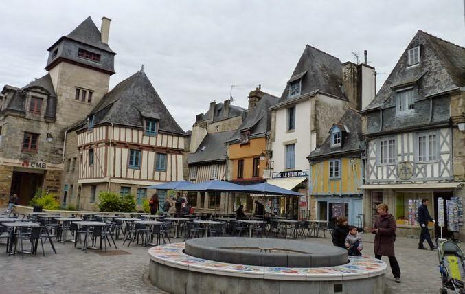 Quimper, Place Terre-au-Duc.