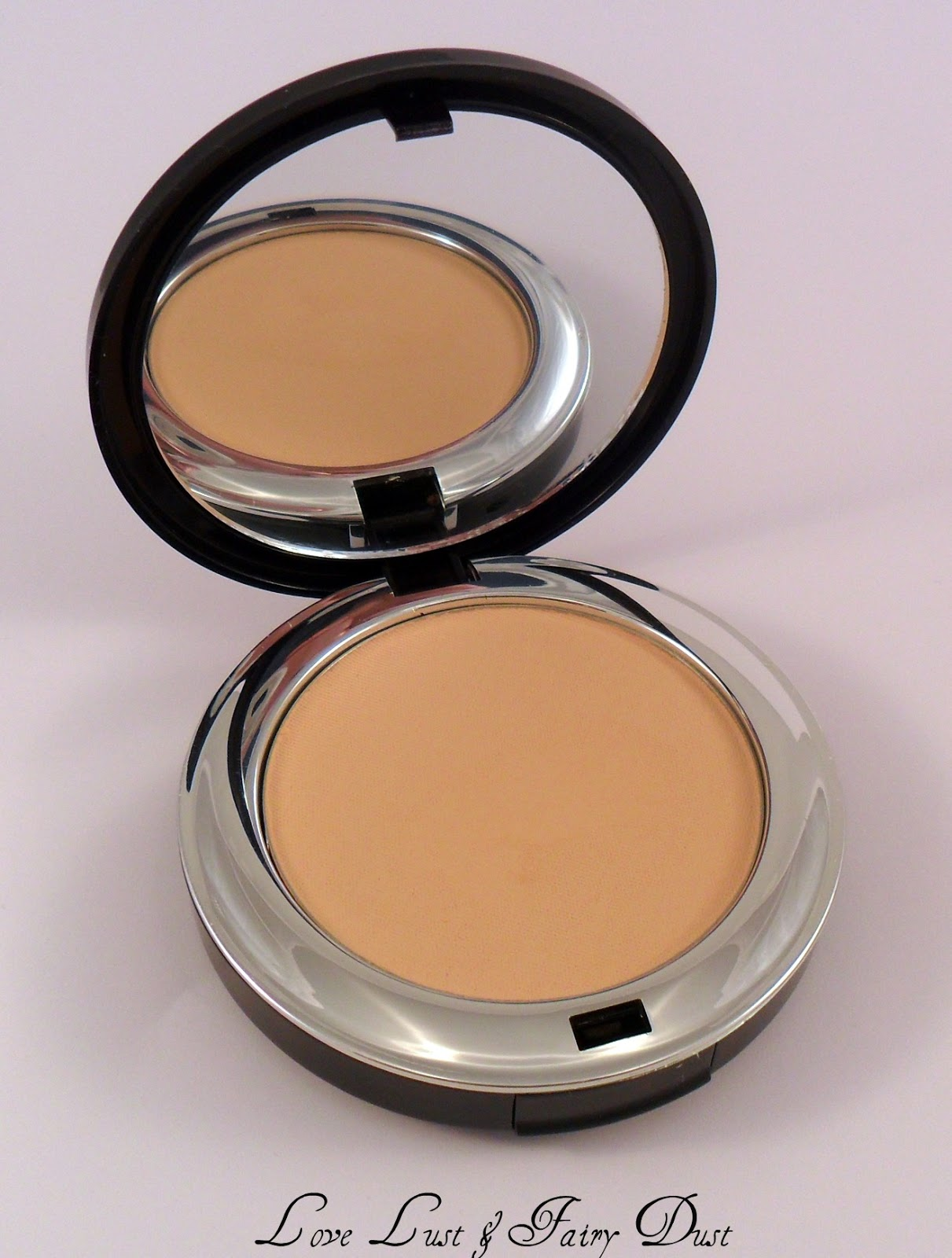 Bellápierre Compact Mineral Foundation review