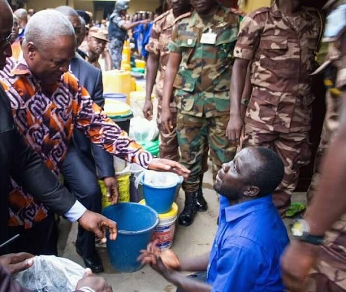 Mahama releases 896 prisoners