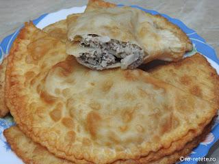 Suberec cu carne tocata reteta de casa dobrogeana retete suberek turcesc prajit gustare stradala mancare fast food placinte branzoaica,