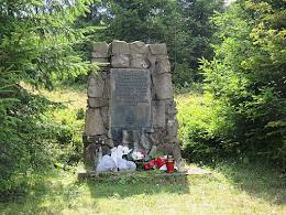 """Pomnik żołnierzy oddziału """"Żandarmeria""""."""