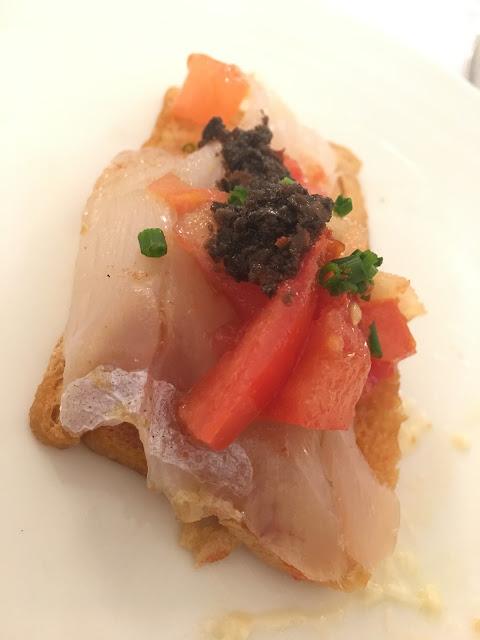 Año 1999. Bar Baserri. Lomo de bacalao ahumado con aceite de aceitunas negras  y vinagre de tomate