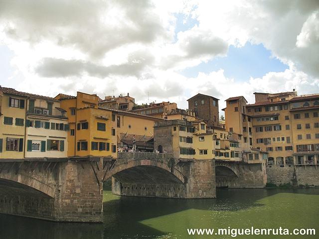 Ponte-Vecchio-Río-Arno