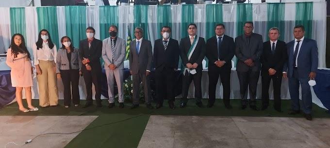 Elesbão Veloso: prefeito Rafael Barbosa, vice Arthur Paes Landim e vereadores tomam posse.