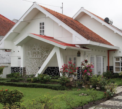 Stylish houses like this are very rarely found in the city of Jakarta