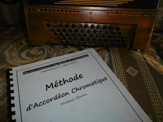 http://diouflo.com/francais/methode_pour_apprendre_accordeon_chromatique_commentaires.php