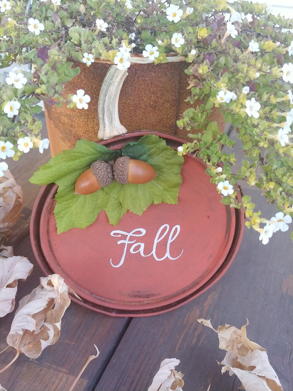 Rusty Paint Can Lid Pumpkins