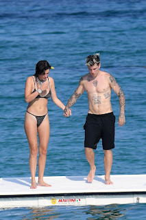 Bella-Thorne-continue-their-love-filled-romantic-holiday-in-Sardinia%2C-Italy.-27fcnj6hom.jpg