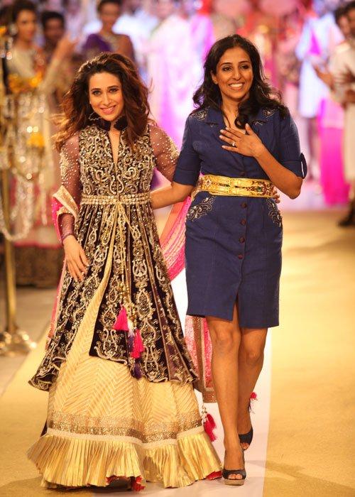 Karisma Kapoor Walks the Ramp at ABIL Pune Fashion Week