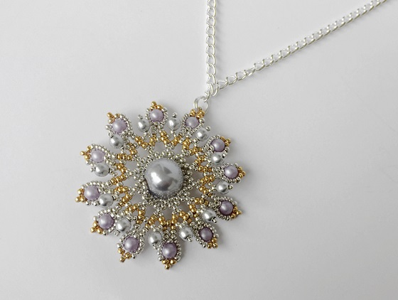 Free star shower beaded pendant tutorial by Assza Beading Arts