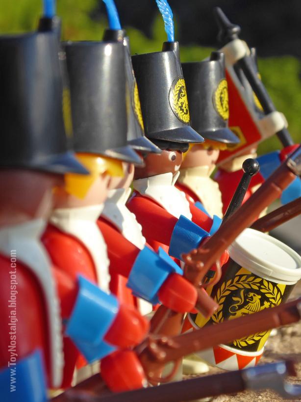 Playmobil 3544, carga de casacas rojas con bayoneta  (Playmobil 3544 - redcoats)