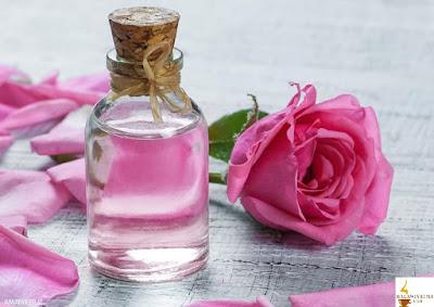 5 وصفات بماء الورد لتجميل وجهك
