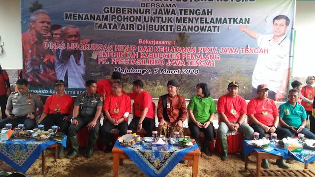 Gubernur Jateng Pimpin Penanawan Bibit Pohon Di Bukit Banowati